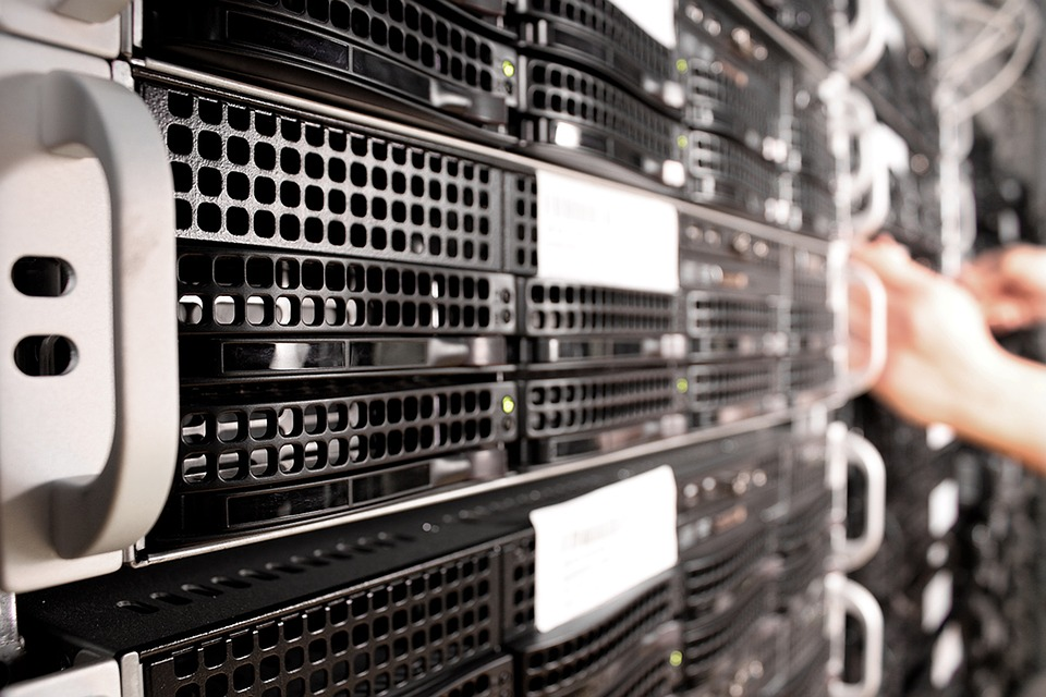 The Pros and Cons of Cloud Hosting vs. On Premise Hosting